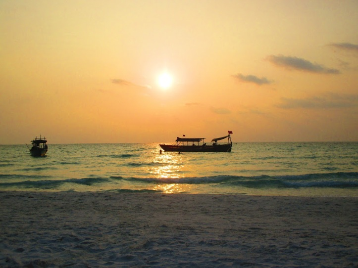 Sunset at Lonh beach